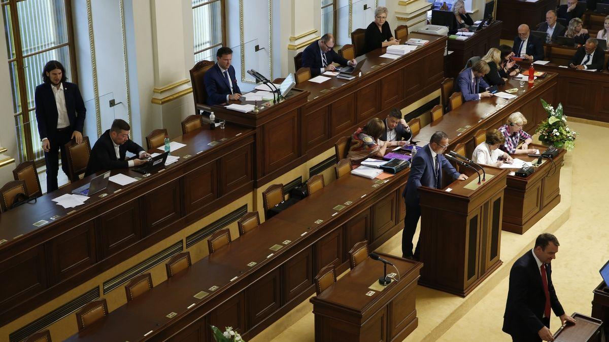 Sněmovna projedná daňový balíček na mimořádné schůzi