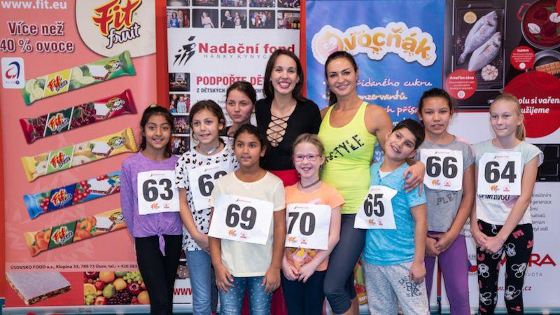 Ženy podpořily 13. ročník charitativního projektu Hejbejte se azpívejte sHankou Kynychovou