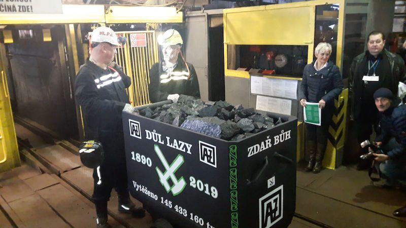 Z podzemí Dolu Lazy vyjel na povrch poslední vozík uhlí