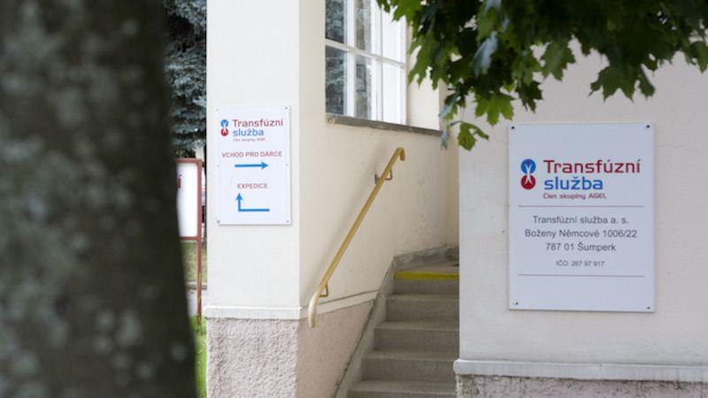 Dárci krve aplazmy soutěží okoloběžky na Transfúzní službě vŠumperku ivBruntále