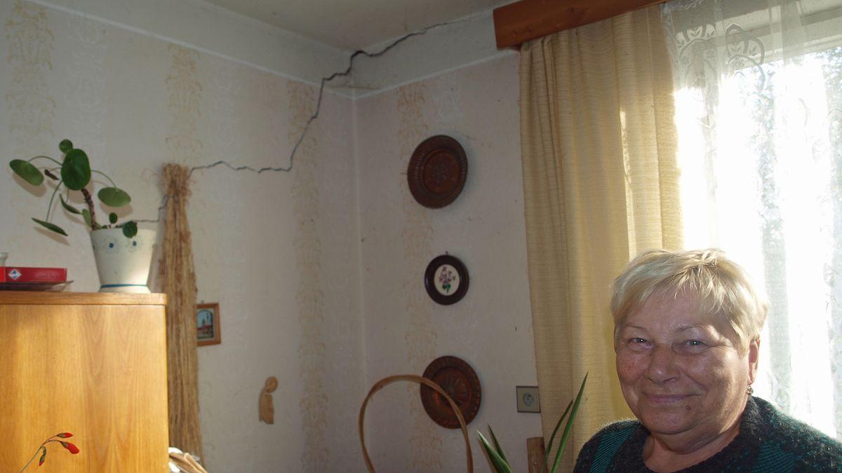 Důlní voda ničí lidem v obci na Sokolovsku rodinné domy
