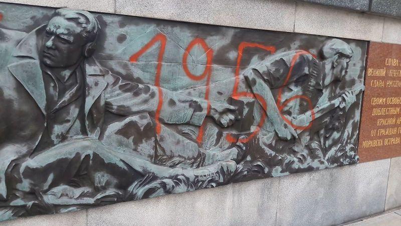 V Ostravě někdo poničil Památník Rudé armády
