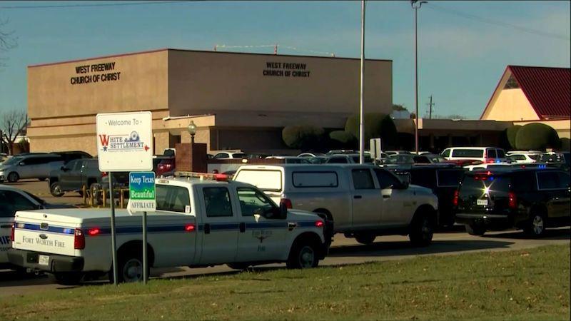 Útočníka v texaském kostele zastřelil bývalý agent FBI