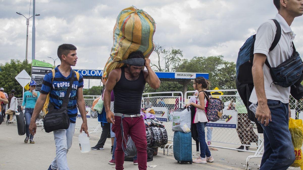 Socialismus ve Venezuele: Ekonomika padá, ceny vzrostly o 4700 procent