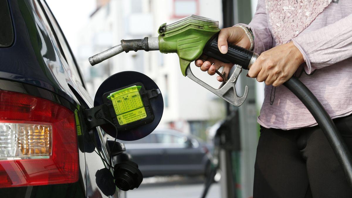 Zdražuje benzin i nafta (ilustrační foto)
