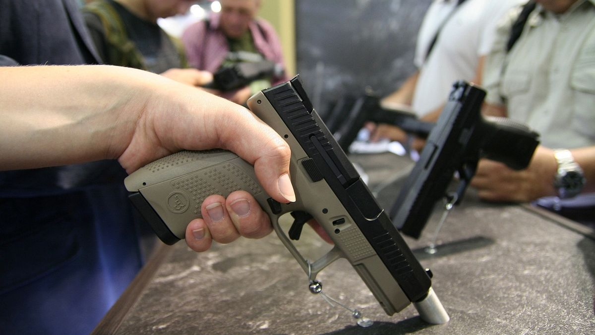 Česká zbrojovka zvýšila zisk o 12 procent na skoro 1,5 miliardy