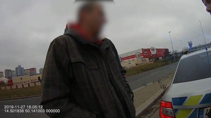 Dám vám tři tisíce, nabídl v Praze policistům řidič jedoucí v protisměru