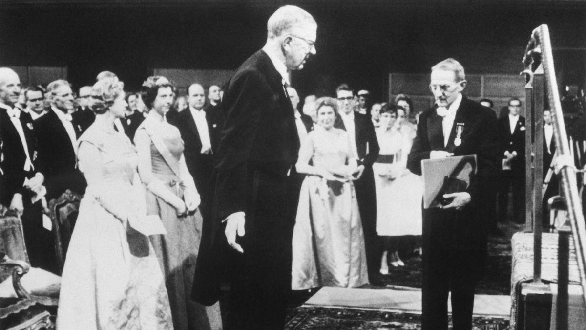 Před 60 lety obdržel Jaroslav Heyrovský Nobelovu cenu. Jako první Čech