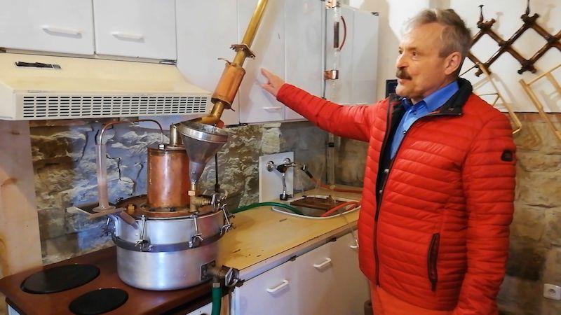 Muzeum přibližuje tradici nelegálního pálení slivovice na Moravě