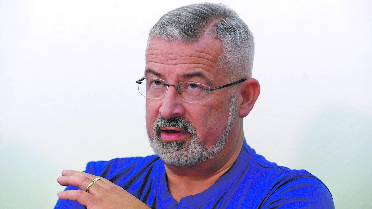 Tlak na mzdy kantorů ještě zvýšíme, řekl šéf školských odborů Dobšík