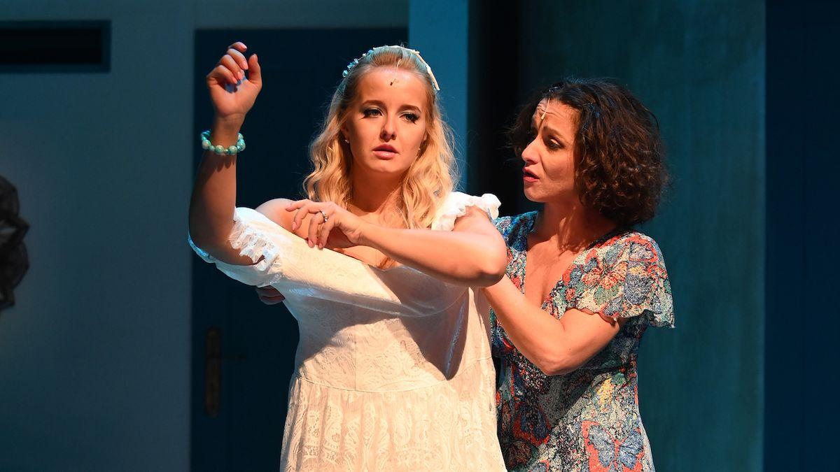 Divadlo ovládla ABBA s písničkami v legendárním muzikálu Mamma Mia!