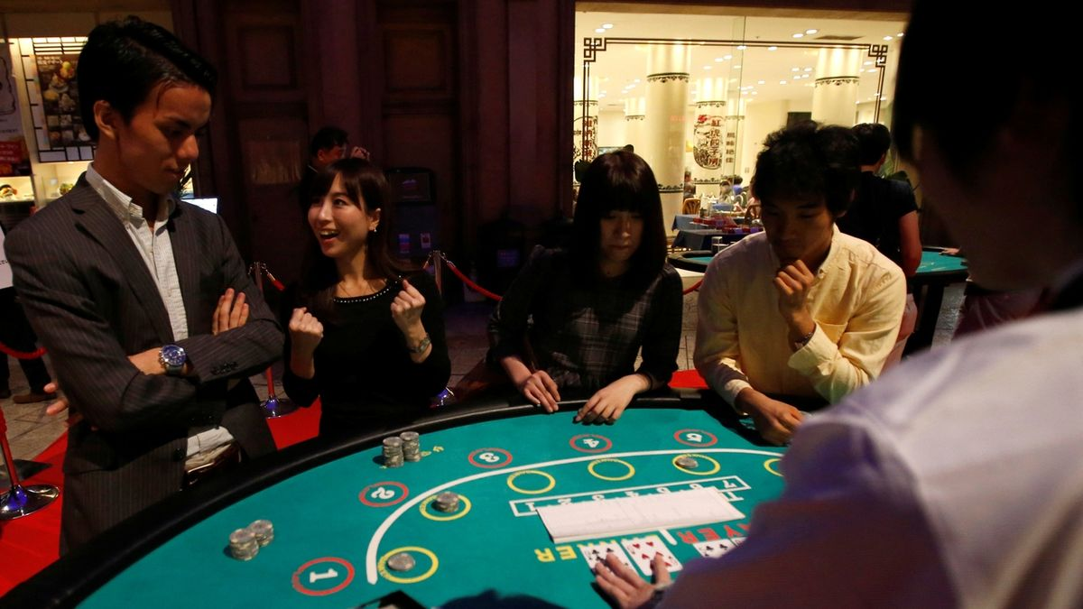 Japonský poslanec měl v zemi zavádět kasina, zatkli ho pro podezření z korupce