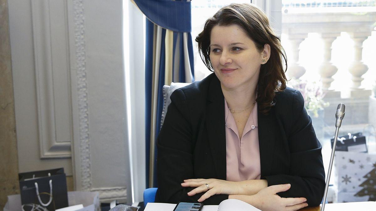 Reforma penzí? Depresivní i na české poměry, reagují experti na návrhy Maláčové