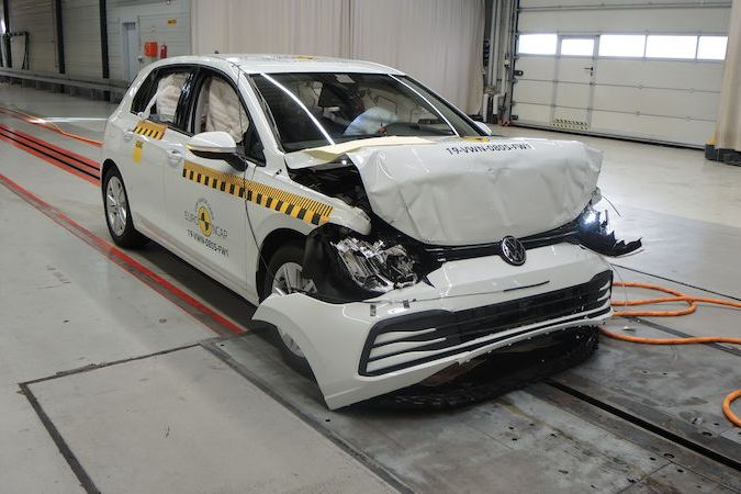 Crash test Volkswagenu Golf osmé generace