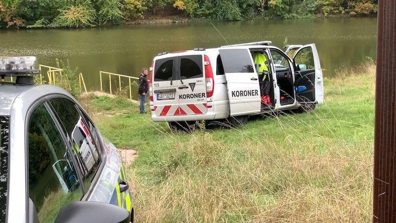 Policie našla pohřešovanou ženu z Prahy utonulou