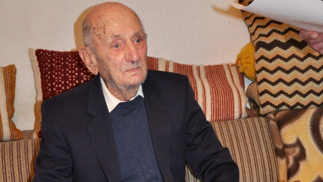 Zemřel nejstarší muž světa, bylo mu 114 let