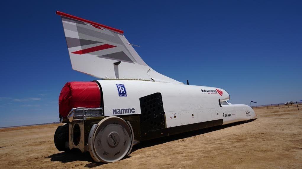 Nové nejrychlejší pozemní vozidlo světa začalo s testováním