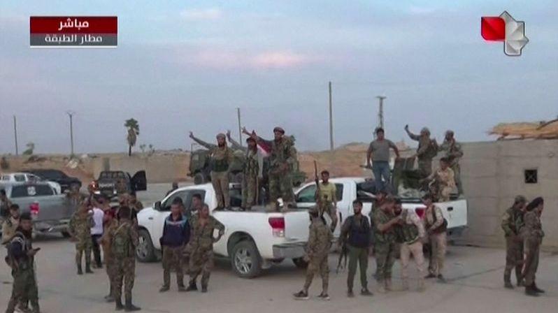 Syrské jednotky dorazily do kurdské oblasti. S Turky ale bojovat nebudou