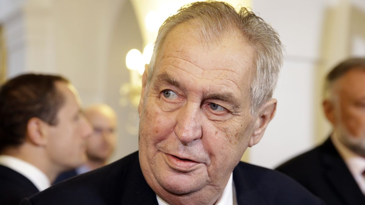 Zeman podal kasační stížnost kvůli jmenování Ošťádala profesorem