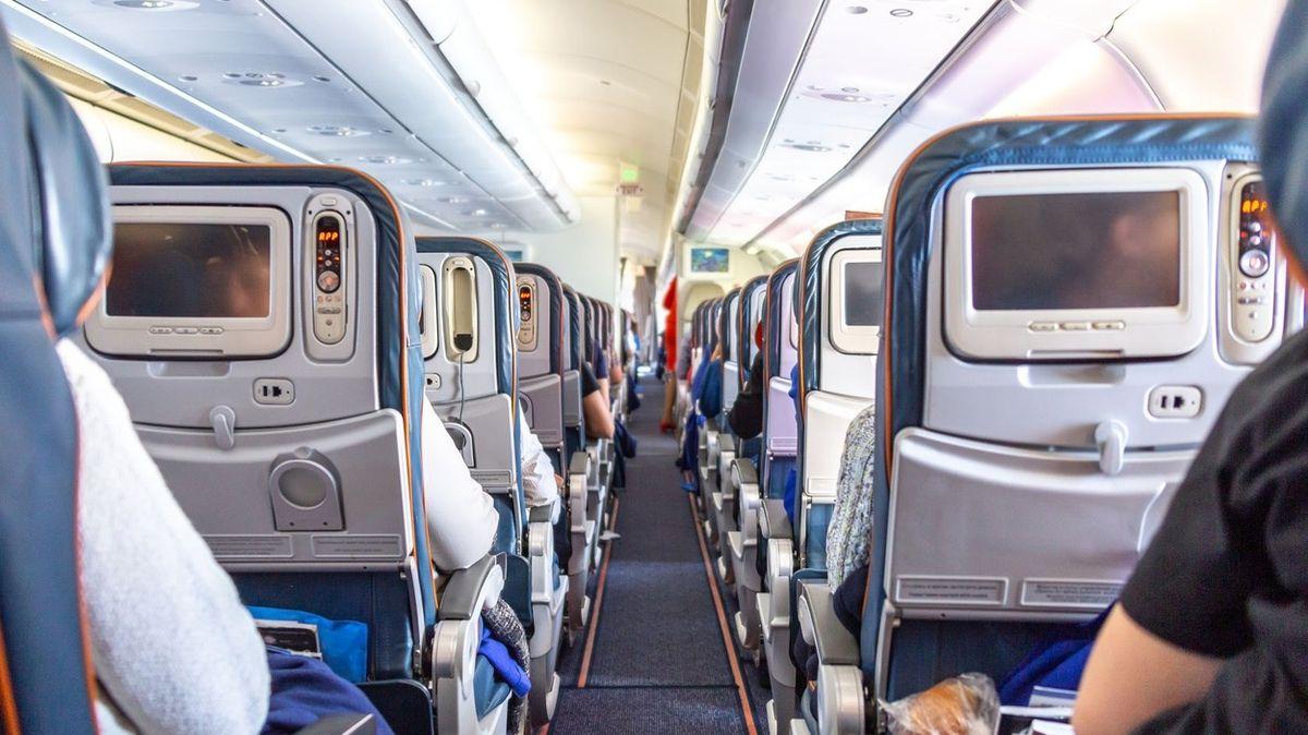 Zrušte byznys třídu na krátkých letech, vyzývá šéf nízkonákladových aerolinek