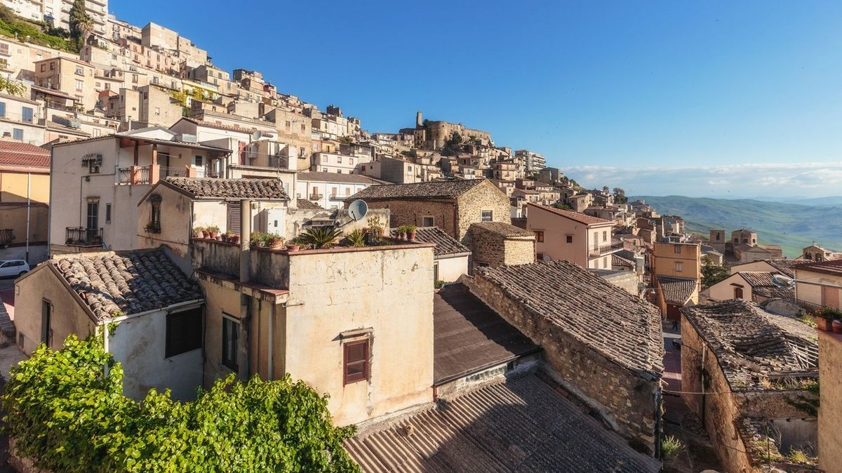 Další italské město rozdává domy zcela zdarma