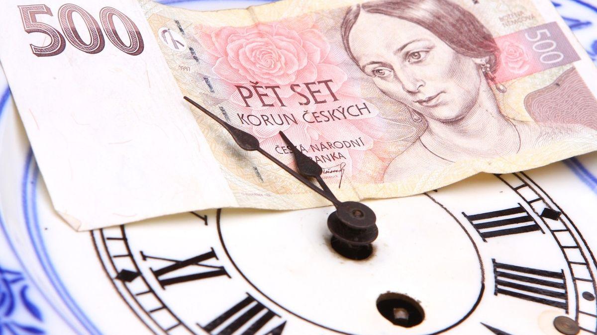Okamžité platby nabízí sedm bank, na další si klienti musí ještě počkat