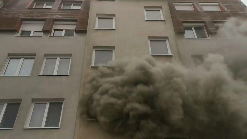 Při explozi na sídlišti v Bratislavě se zranilo pět lidí