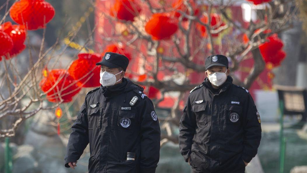 Rakousko i Kanada řeší koronavirus. Nemoci podlehlo už 56 lidí