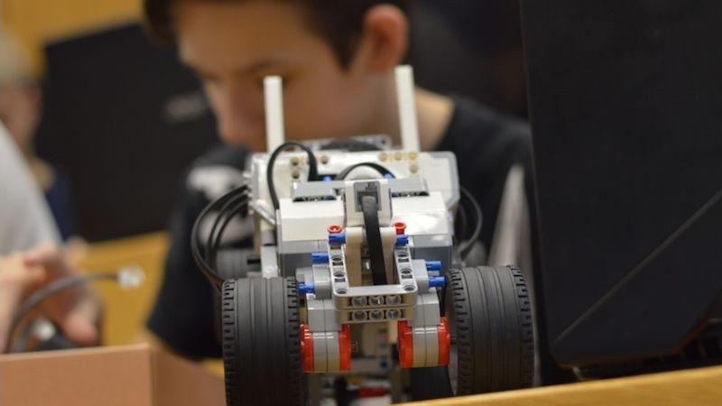 Hodonínská průmyslovka letos otevírá dva technické studijní obory - ataké dveře veřejnosti