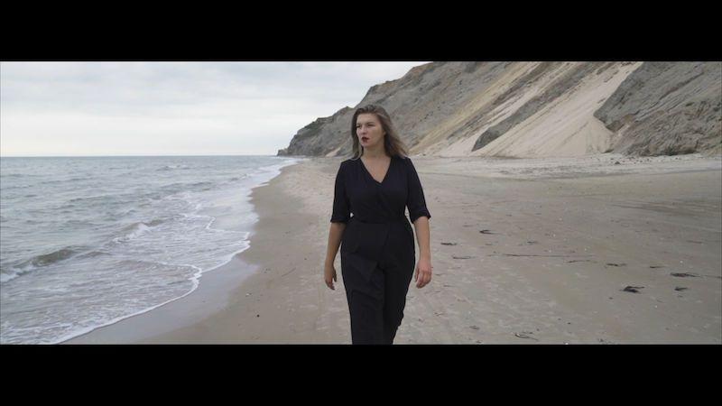 Zpěvačka Sabina Ludányiová točila klip k písni Maják v Dánsku