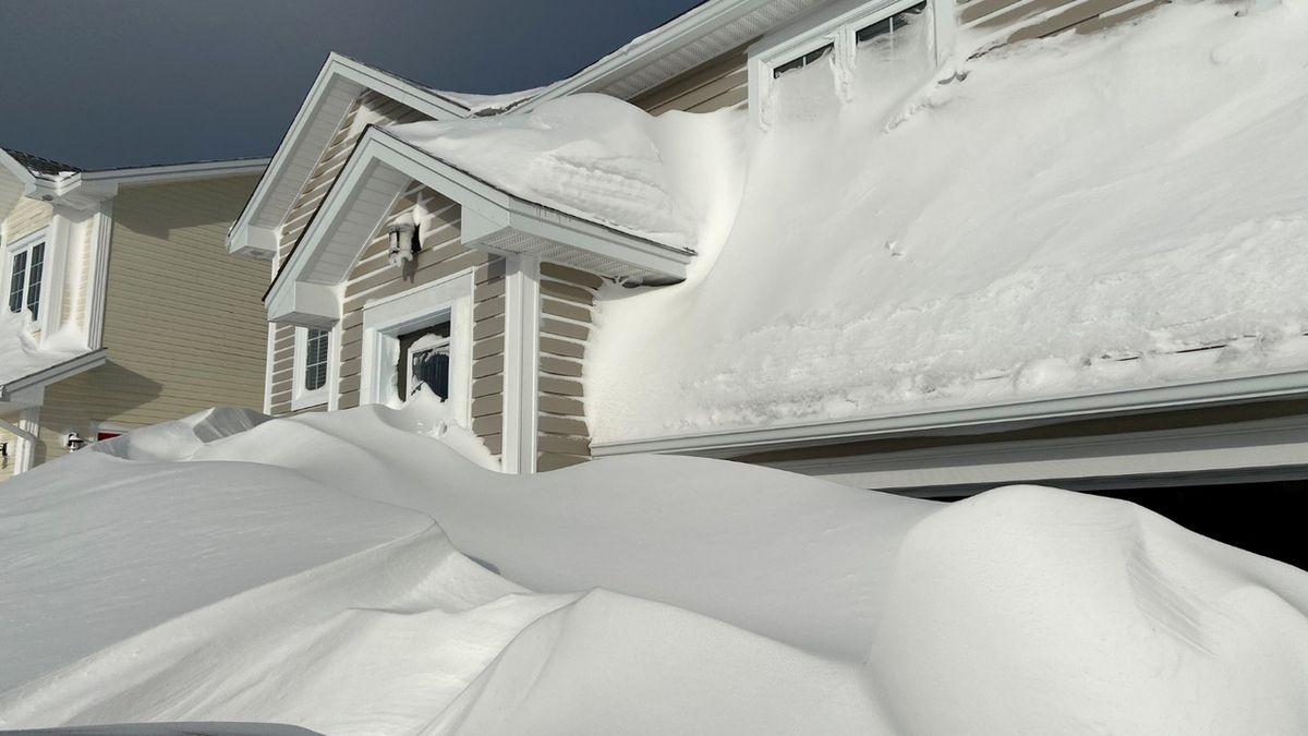 Severovýchod Kanady zápasí s prudkou zimní bouří a přívaly sněhu