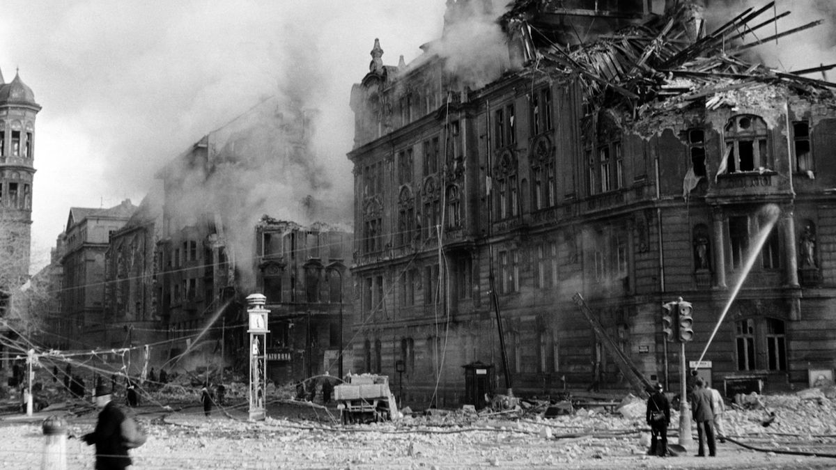 Spojenecké bombardování zničilo před 75 lety část Prahy