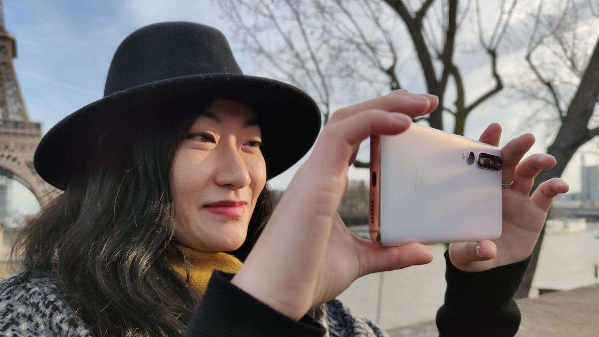 Žádnou komunikaci necenzurujeme, ohradilo se Xiaomi proti varování Litvy