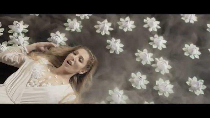 Lounová chce zaujmout s baladou Dark Water i na Eurovizi