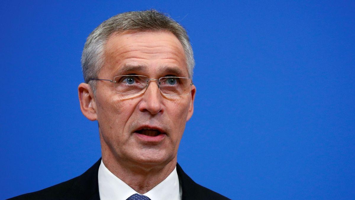NATO vyzvalo Rusy, aby přestali s manévry u hranic s Ukrajinou