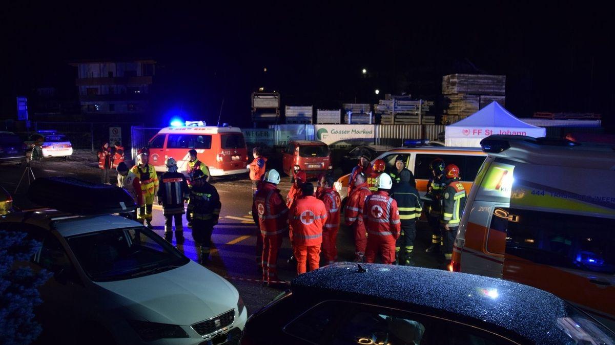 Do skupiny turistů v Jižním Tyrolsku najelo auto, šest mrtvých