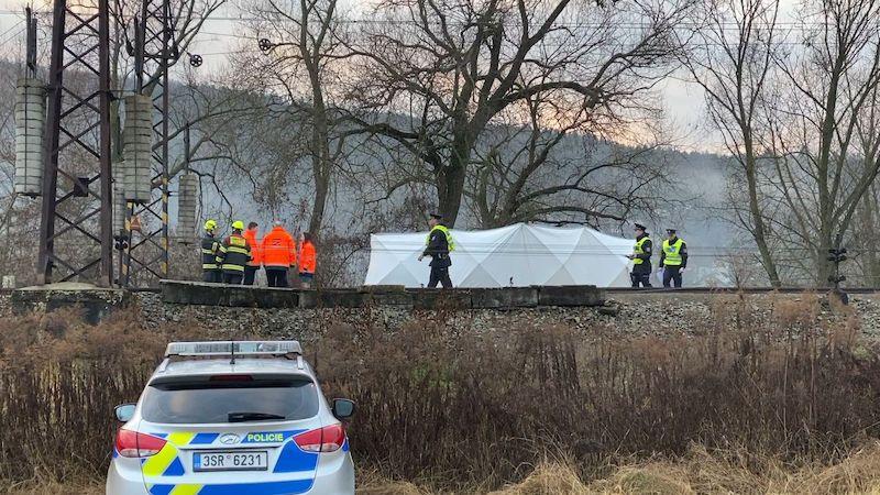 Vlak u Prahy zabil muže