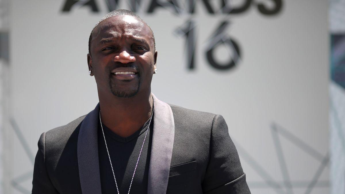 Komiksová Wakanda realitou? Zpěvák Akon vybuduje v Senegalu vlastní město
