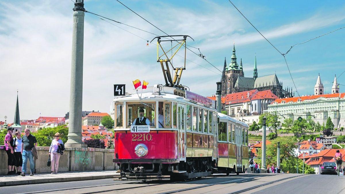 Pražské muzeum MHD zve na tajemnou procházku či sraz veteránů