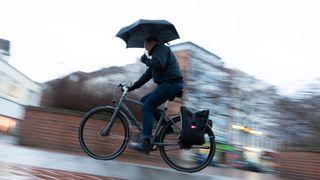 Výhled počasí: Deště ještě přibude, bundy neodložíme