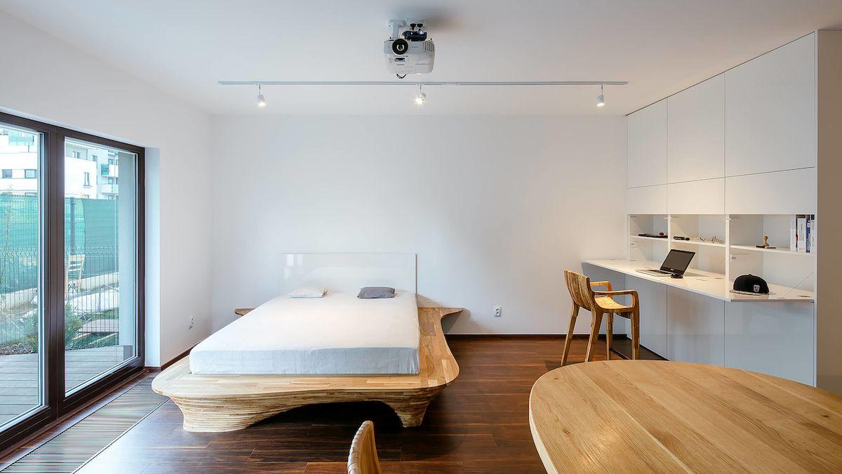 Unikátní design malého bytu odráží záliby majitele