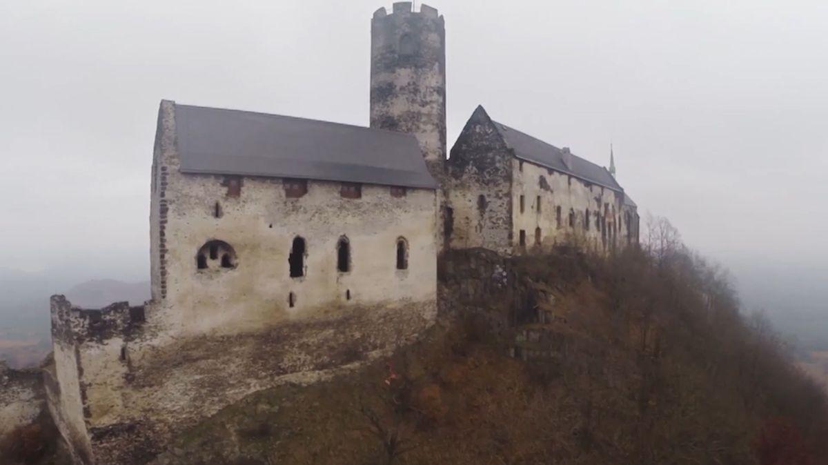VÝLETY Z KARANTÉNY: Výlet na hrad Bezděz s dechberoucími výhledy z věží