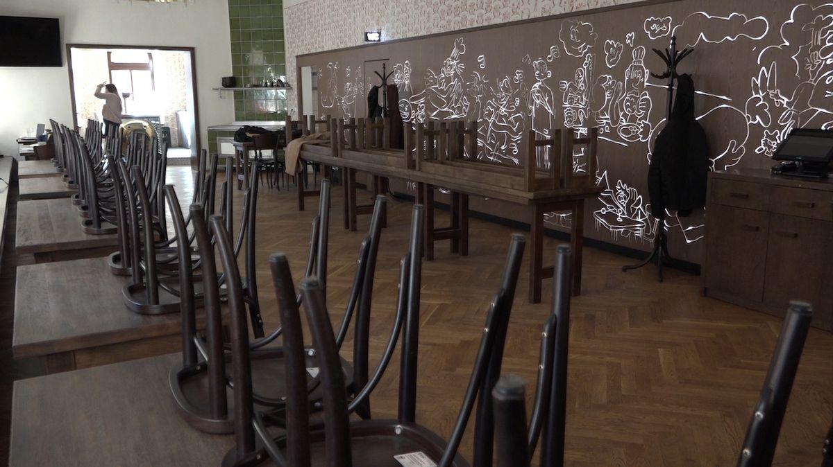 Škodu restauracím nezpůsobil stát, ale virus. Na ušlý zisk nárok není, tvrdí právník