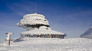 Na Sněžce naměřili vítr o rychlosti 223 kilometrů za hodinu