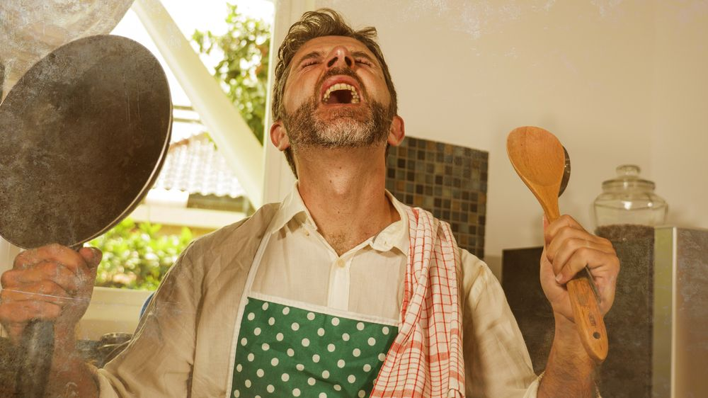 Nucená karanténa stvořila davy mikrovlnkových kuchařů