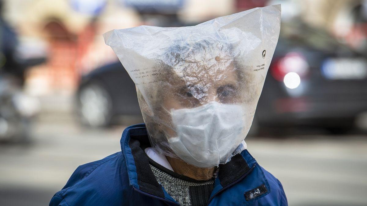 V Praze se koronavirus objevil ve čtyřech zařízeních pro seniory