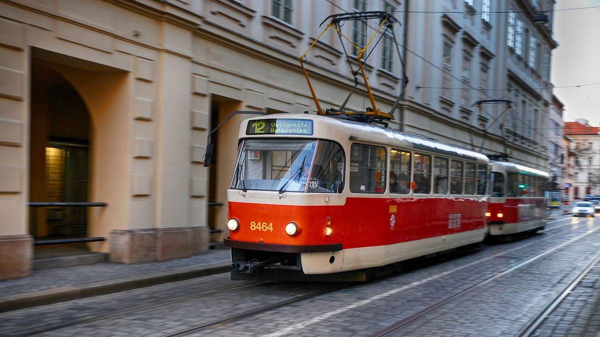 V Praze jezdí tramvaje častěji