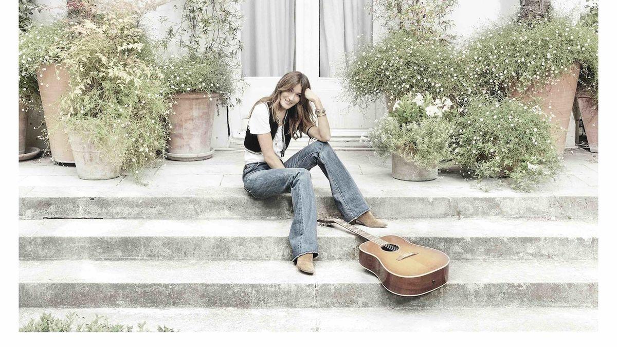 Carla Bruniová vydala album, které je jejím odrazem