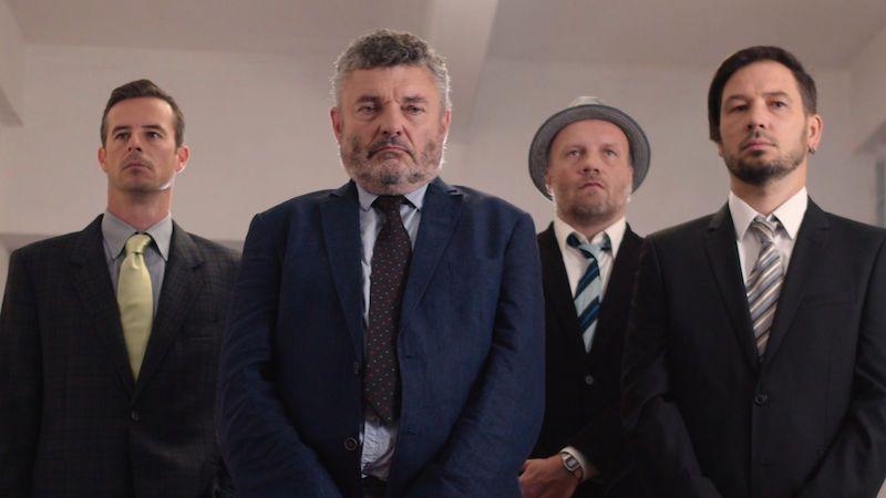 Herci Klára Miklasová a Jiří Štrébl v novém videoklipu kapely Lety Mimo