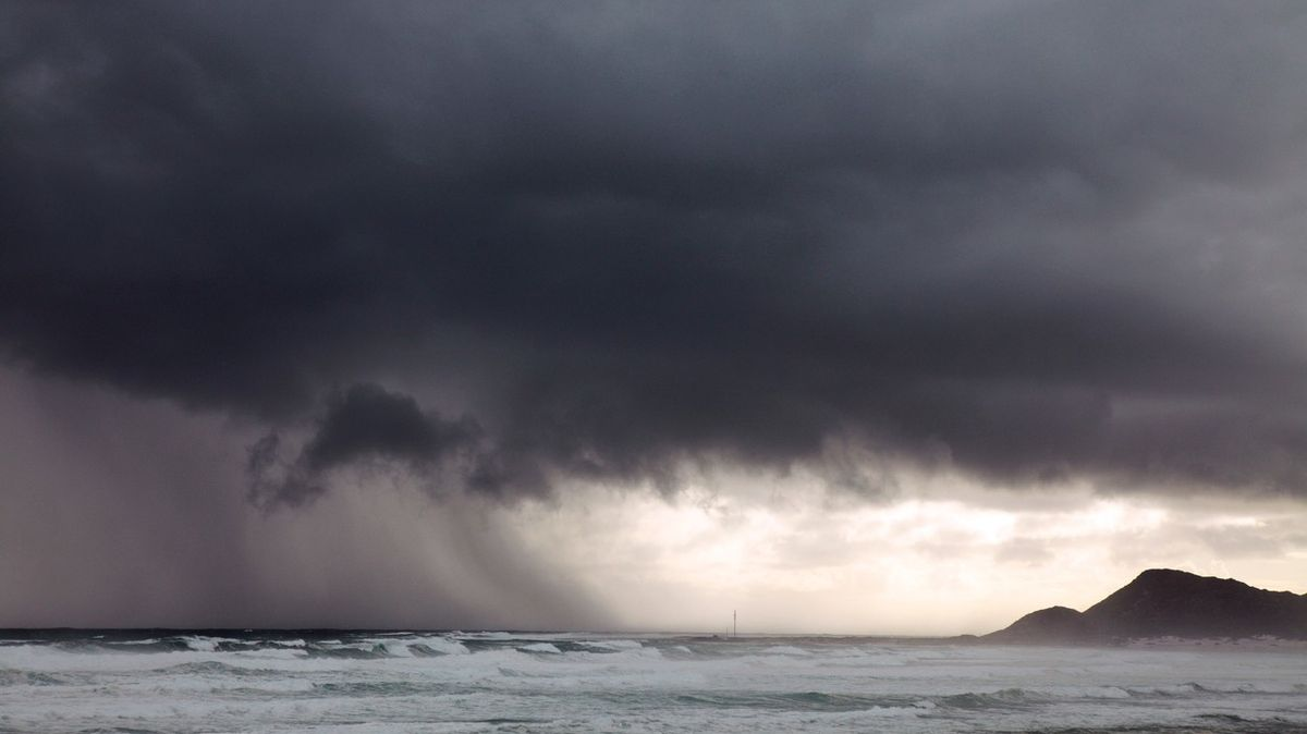 Bouří se nad Atlantikem urodilo tolik, že meteorologům došla jména